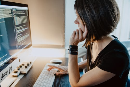 web development outsourcing web developer vs web consultant