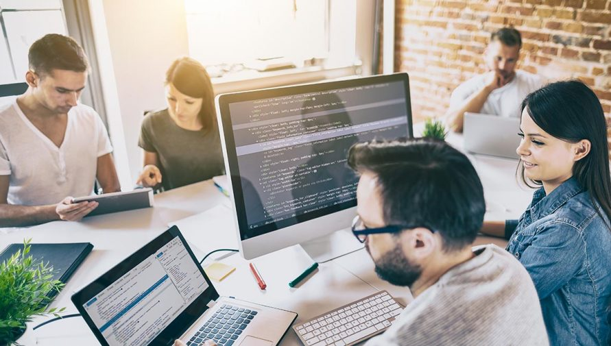 Top 5 Things to Consider while Hiring Offshore Developers