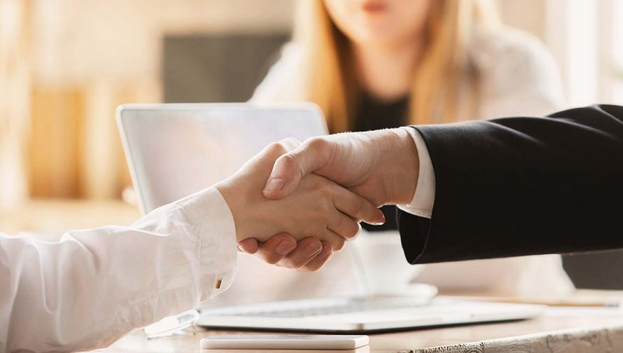 7 Reasons To Hire an Offshore Team When Trying To Close A Big Client